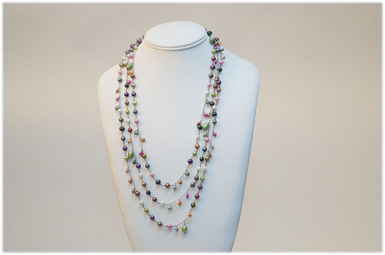 Three strand multicolored sweet pearl necklace