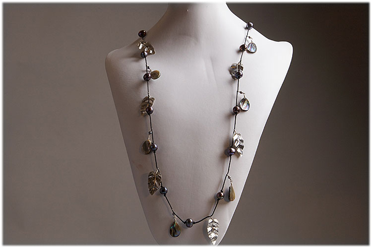 Grey pearl,abalone and sterling silver leaves necklace