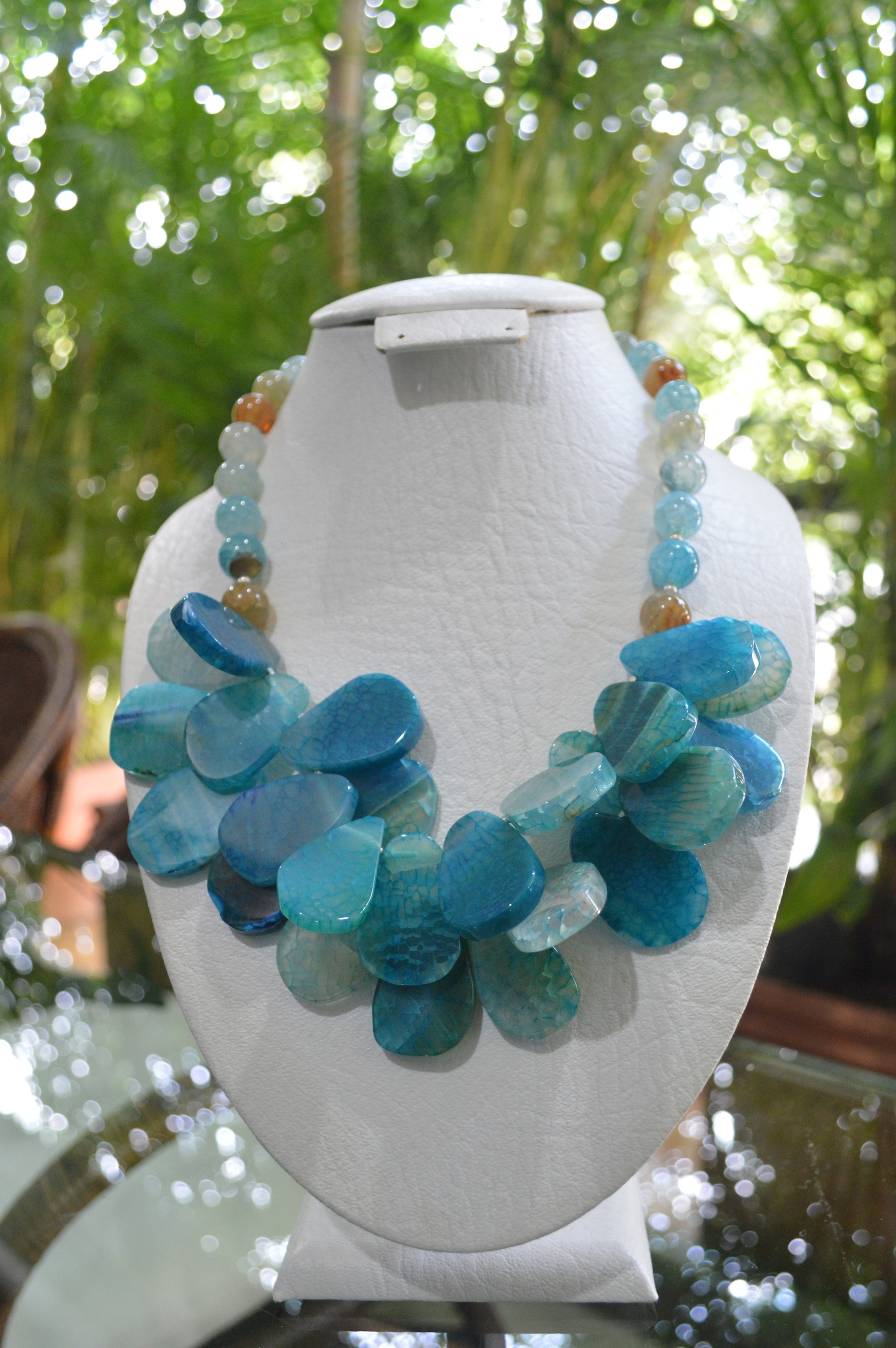 blue agate freeform beads necklace