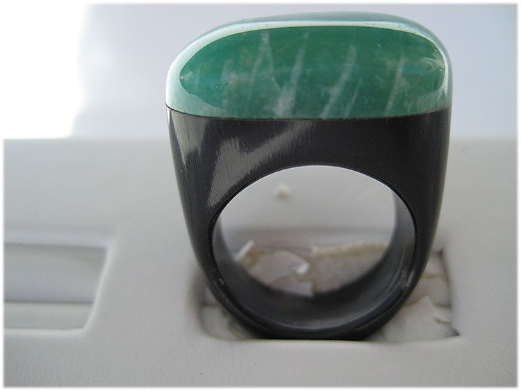 green quartz stone ring