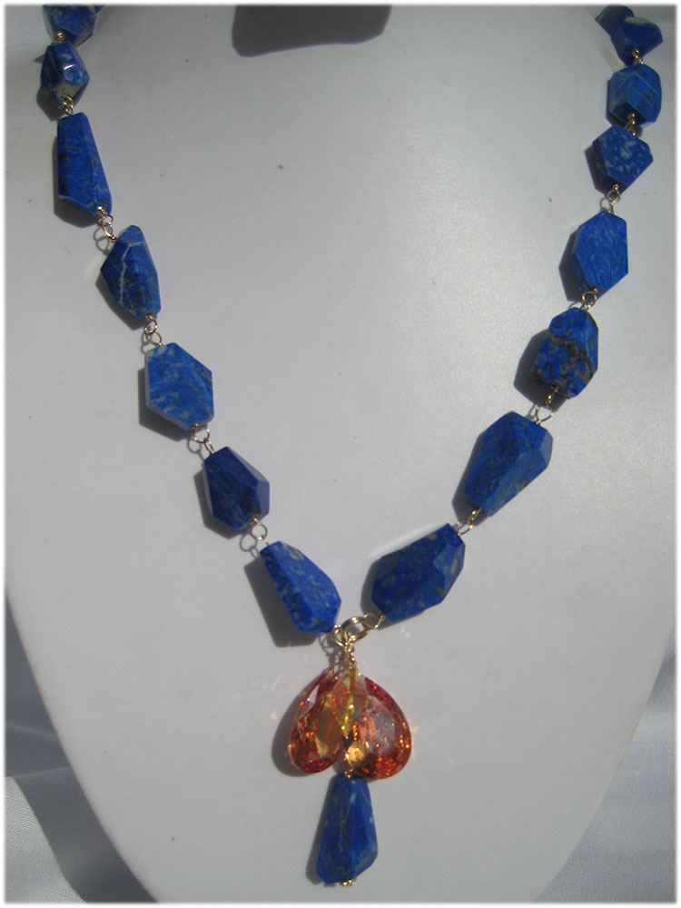 stunning bright blue lapiz necklace with pendants